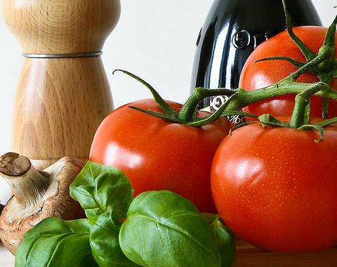 Tomatoes Basil Oil